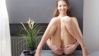 Tini makes her twat orgasmic in art porn video Thumbnail