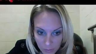 Webcam Girl Masturbates In Starbucks Bathroom Thumbnail