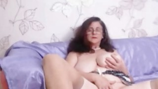 Busty granny with curly hair masturbating on webcam Thumbnail